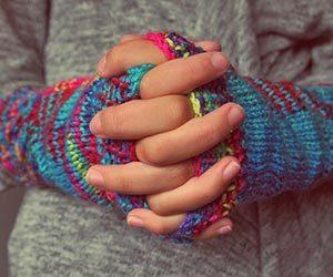 指先のしびれ-右手-左手-人差し指-中指-薬指-小指-親指-朝-病気-画像.jpg