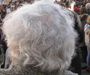 白髪-原因-30代-20代-10代-若い-場所-ストレス-画像.jpg