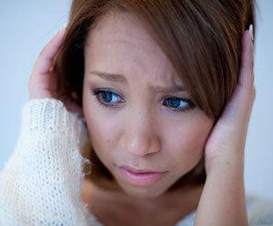 立ちくらみ-原因-めまい-ふらつき-吐き気-病気-女性画像.jpg
