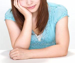 膝-肘の黒ずみ-原因-解消法-皮膚科-黒ずみケア-頬づえ画像.jpg