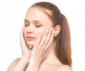 顔-むくみ-原因-朝-肩こり-頭痛-病気-予防法-画像.jpg