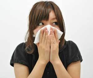 痰が出る-原因-黄色い-黄緑-白い-透明の-咳-痰が絡む-病気-女性画像.jpg